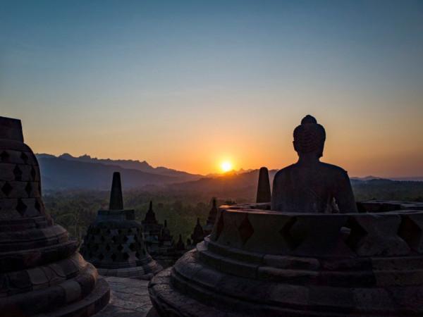 Explore Borobudur